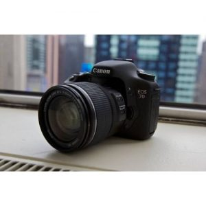 Canon EOS 7D Digital Camera With 18-135mm Lens discountshub