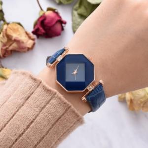 Trendy Diamond Mirror Quartz Watch PU Leather Women Wrist Watch Waterproof Watch discountshub